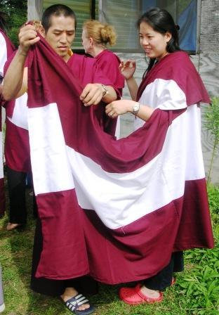 Palyul Retreat -- Dorje Helping Celia with Zen -- WS