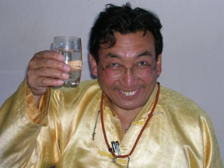 Khamar_khamtrul_and_water_toasting_
