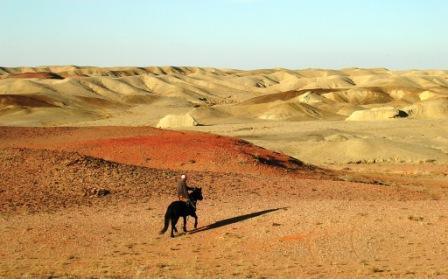Khamar_horseman_and_gobi_landscape_
