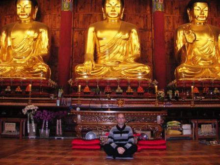 Seoul_christian_and_the_buddhas_ws