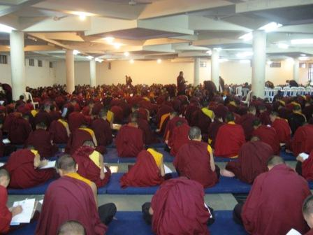 Namdroling_monks_in_examination_hal