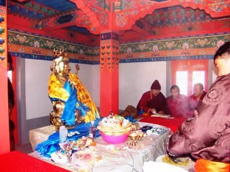 Demchig_guru_rinpoche_statue_ws