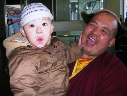 Tavan_dokhio_lama_and_nephew_2_ws