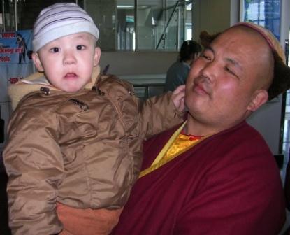 Tavan_dokhio_lama_and_nephew_ws