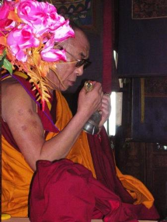 Dalai_lama_throne_profile_web_size