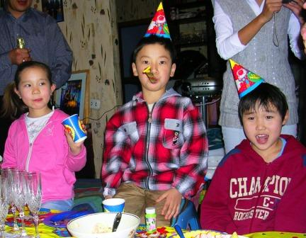Gerlees_first_birthday_three_kids_web_si