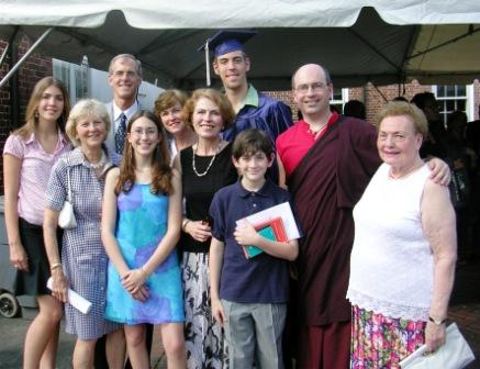 Graduation_george_and_family_group_web_s