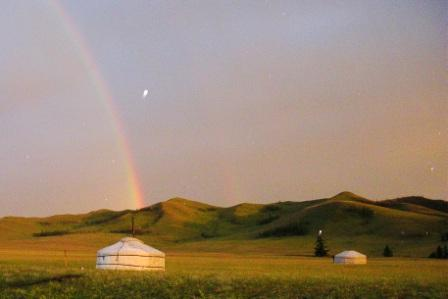 Hamids_camp_rainbow_and_ger_web_size