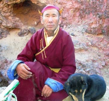 Khamar_cave_retreat_togtokh_and_dawg_web