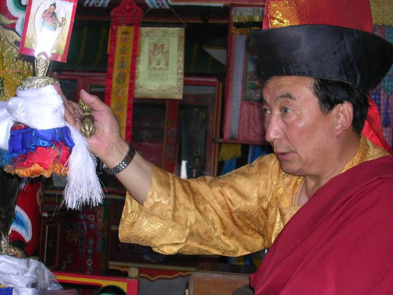 Khamar_rinpoche_and_bumpa_1