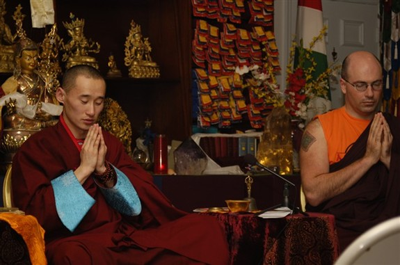 Tsagaan_sar_geshe_and_me_praying